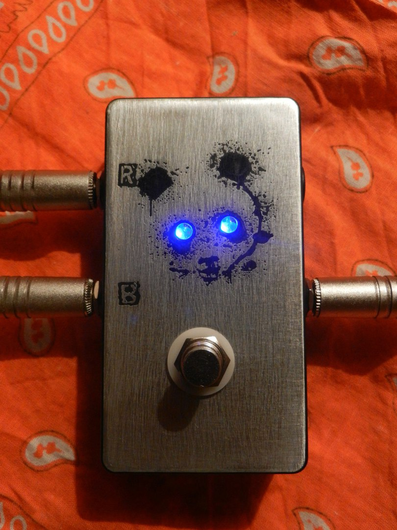 A / B switch box PnDAAA від A&A CUSTOM